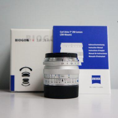 Carl Zeiss Biogon T* 28mm F2.8 ZM (Silver)